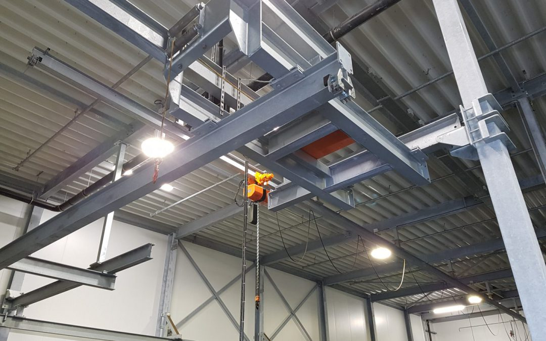 EMERGENGY HOIST & RAILS